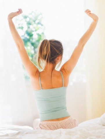 4 Easy Ways to Wake Up Feeling Fresh in the Morning | W8FIT